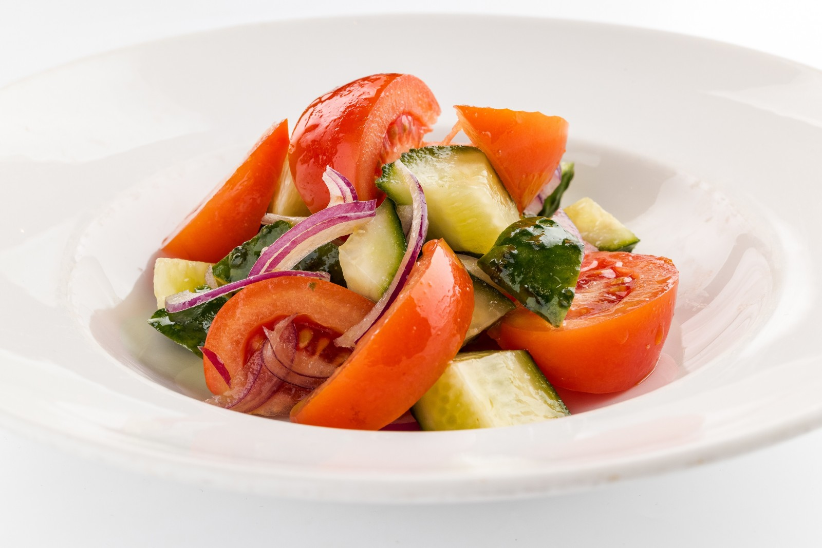 Vegetable salad with dressing